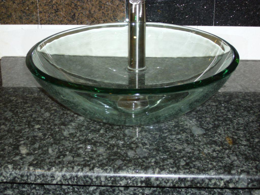 Things To Consider In Choosing A Glass Sink For Your