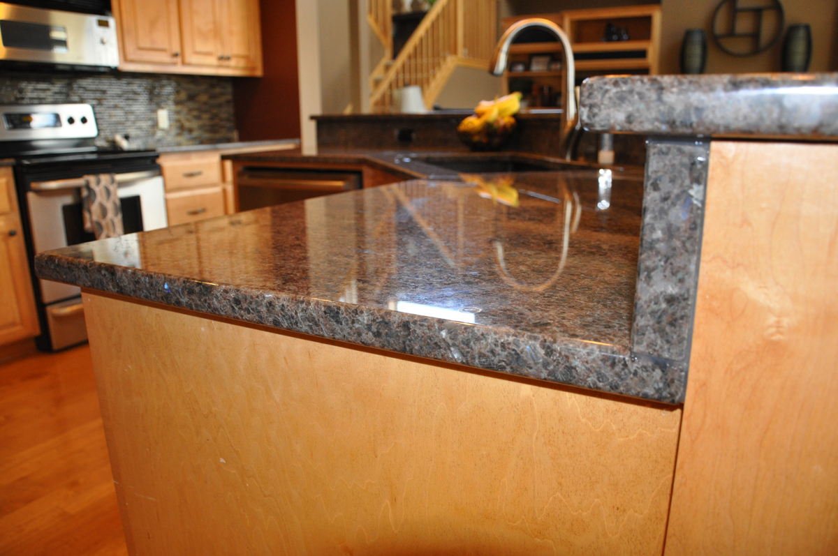 tips for matching kitchen cabinets and countertops rh graniteunlimitedinc com